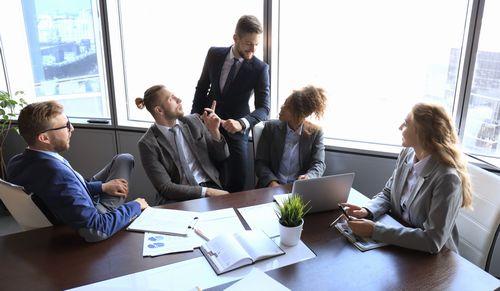 「アサーティブ」の意味とは?ビジネスだけでなく日常会話にも役立つ考え方だった!