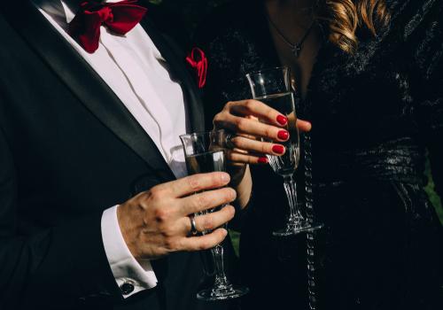 「公式」がカギ?レセプションとパーティーの使い分け方法